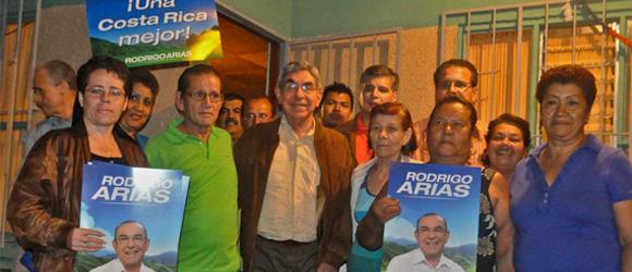 Ex presidente Arias visitó el cantón de Alajuelita