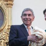 Develan retrato de expresidente Arias en el Congreso